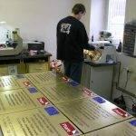 Gravírování firemní tabule - MIHAL s.r.o. Velká Biteš u Brna